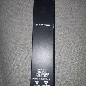 🦄 3/$25 MAC skinsheen leg spray dark new